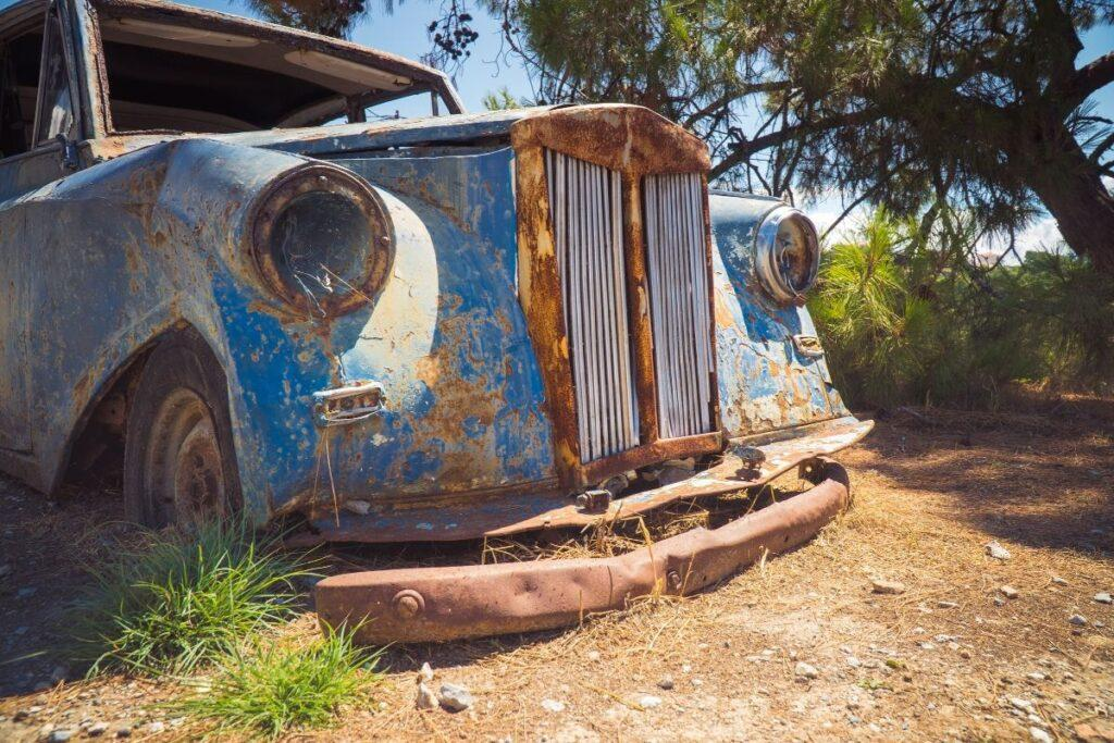 Abandoned and Decaying Rolls Royce