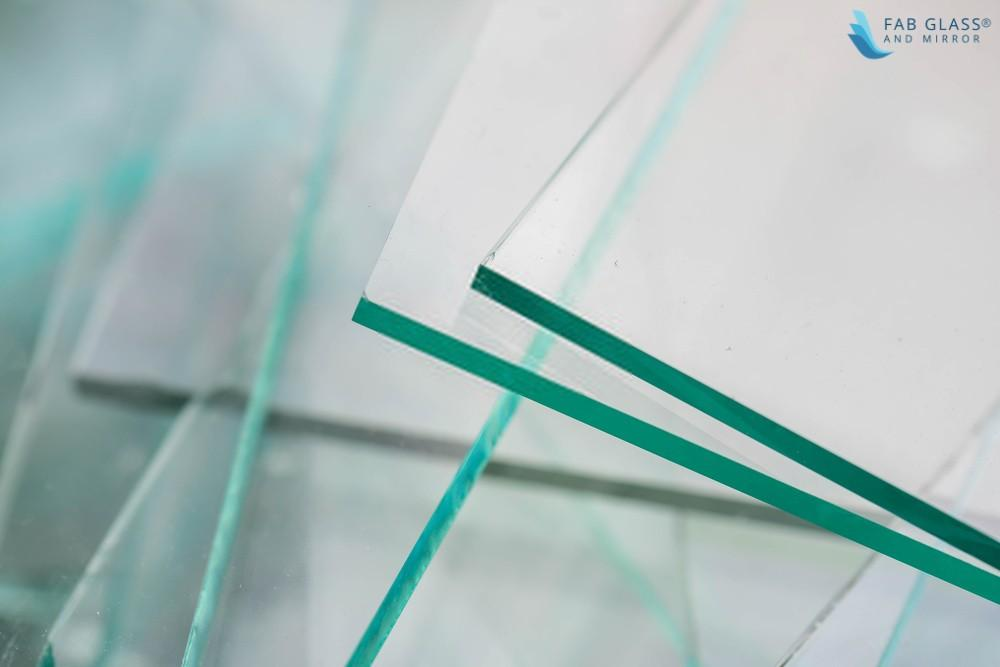 Using Acrylic Plastic to Replace a Broken Glass Table Top