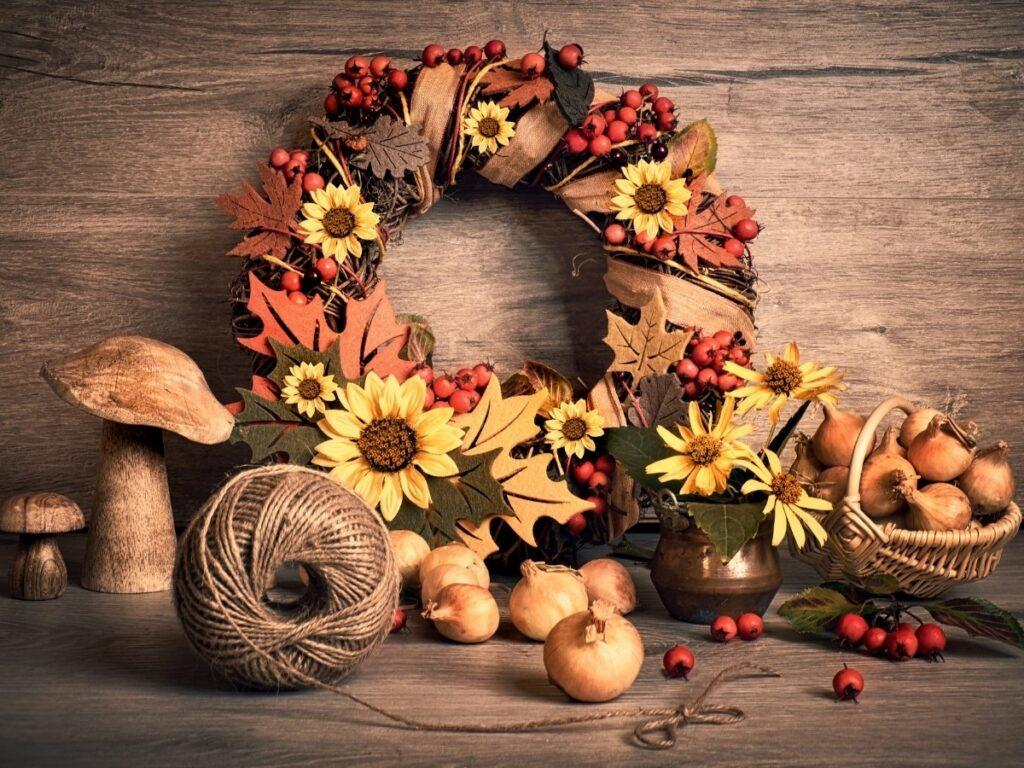 55 Fall Wreath Ideas to Inspire Your DIY Fall Decor