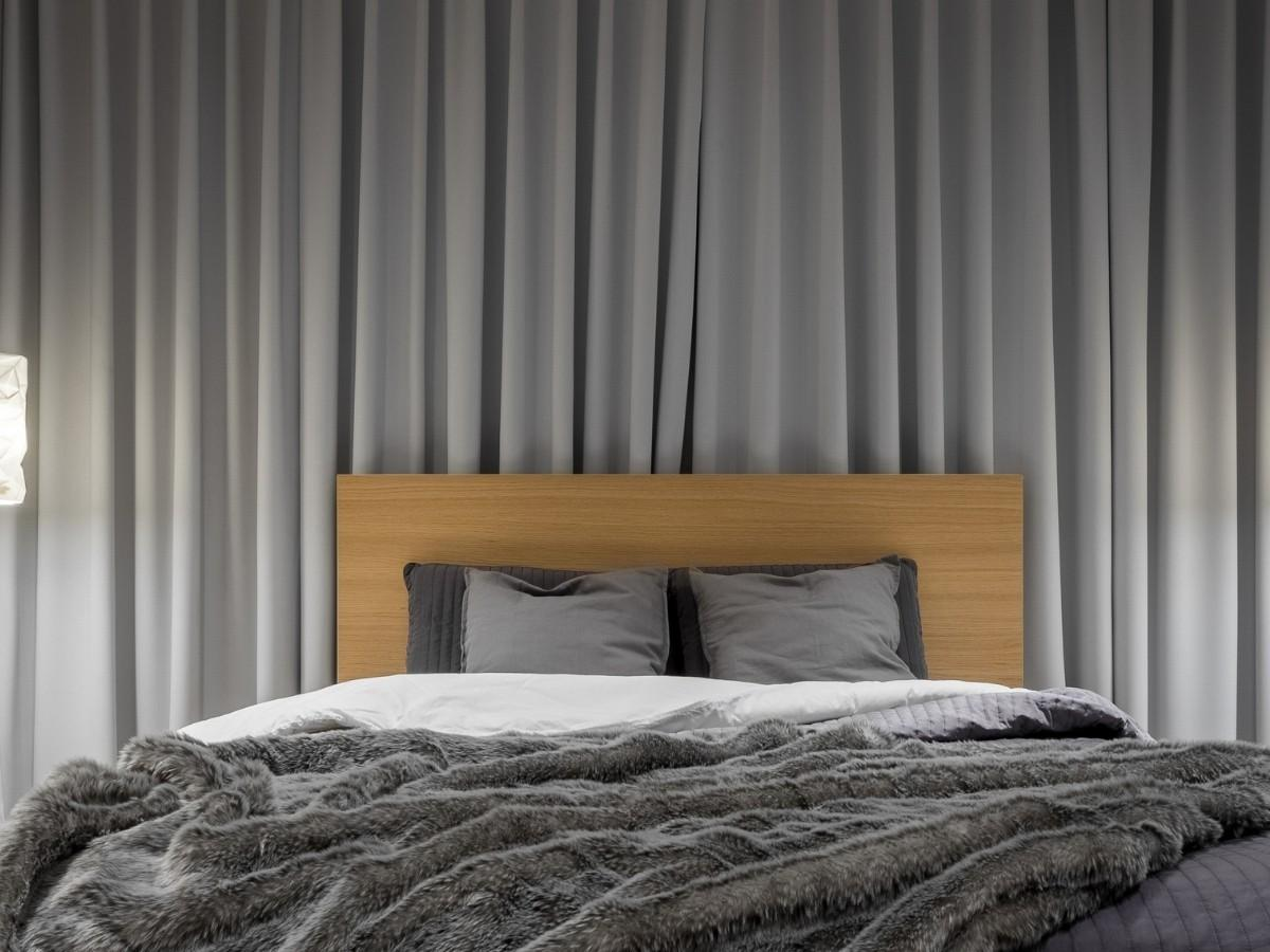 Hanging Bedroom Curtains