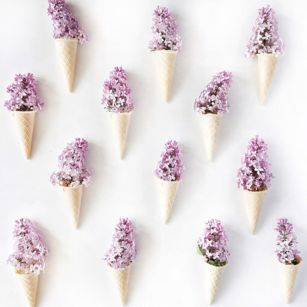 Spring Flowers - Lilac Wall Deco