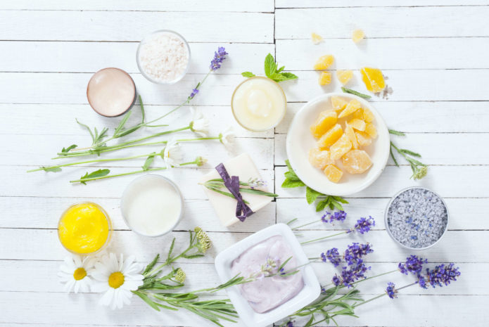 5 Quick & Cheap Homemade Products for a Flawless Skin