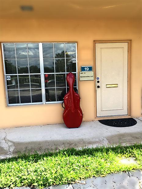Barnesviolins Store: front entrance