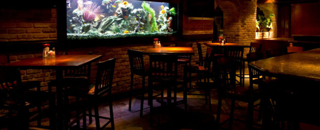 450 gallon custom restaurant aquarium