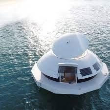 Anthénea's photos and videos gallery : Watch the 1st floating hotel suite