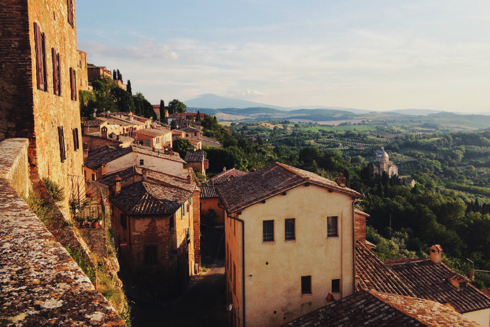 hill towns in tuscany