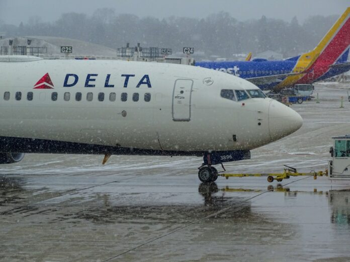 delta extends flight vouchers up to 2 years
