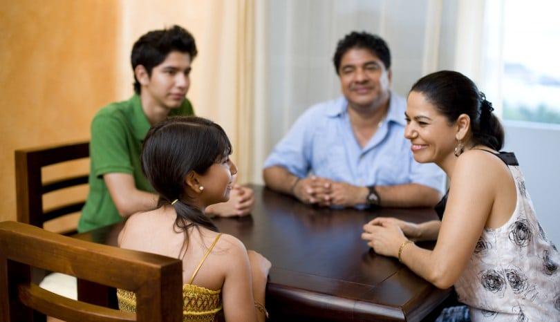Habla con tu familia sobre deudas de tarjetas de crédito