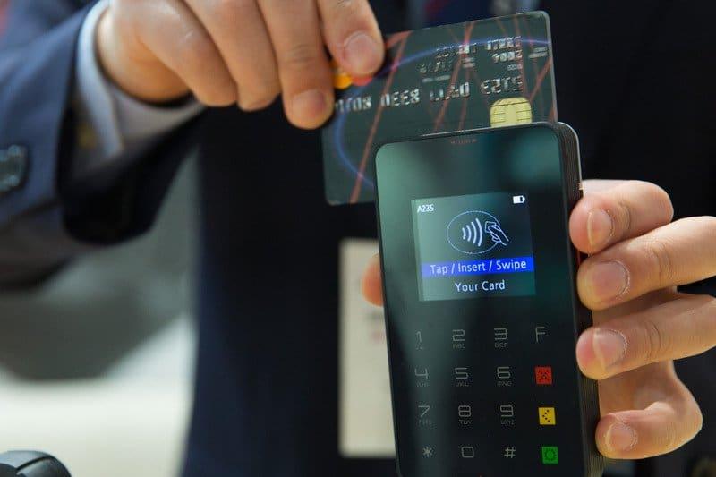 Pagar con tarjeta de crédito - estrés financiero