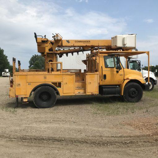 International Yellow Bucket Digger Derrick Truck