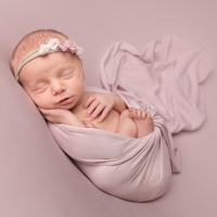 Newborn photo - baby girl in pink