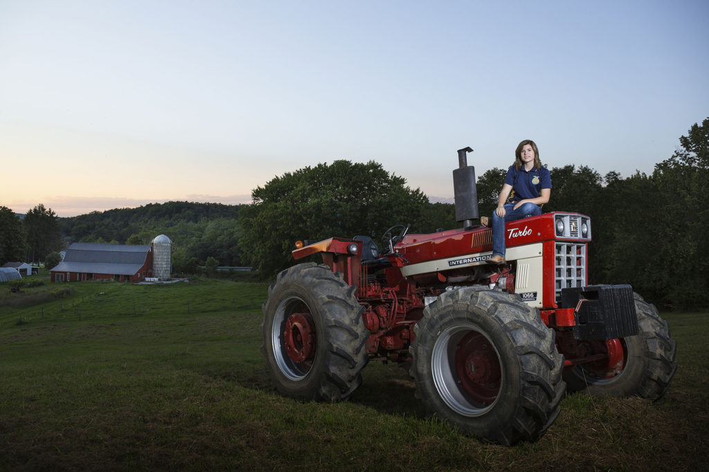FFA, tractor, senior photos, barn, farm life, senior pics