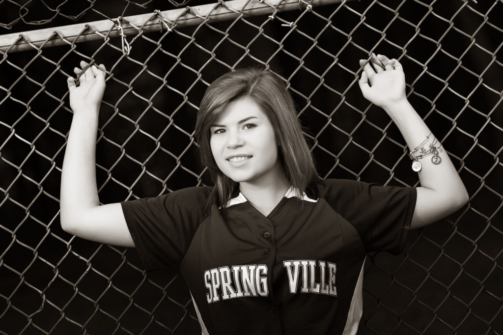 senior pics, senior, springville, softball, outdoors