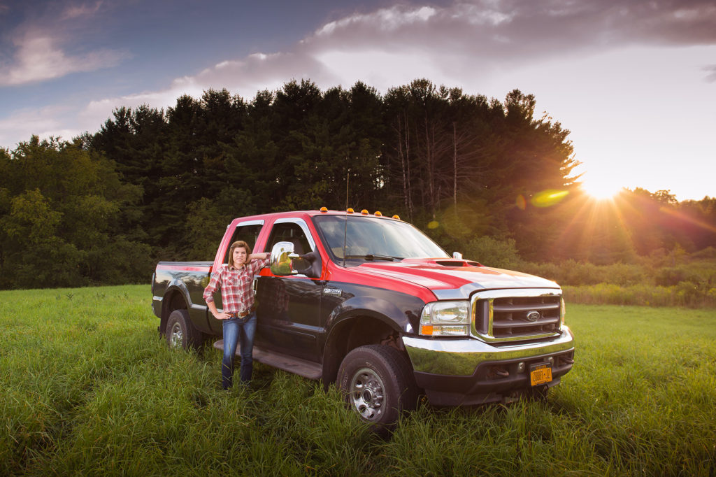 senior photos, ford, truck, senior pics, outdoors, built ford tough