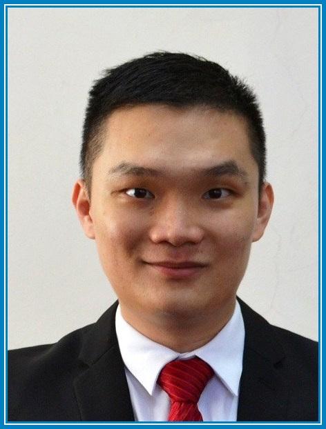 Dr Raymond Lau