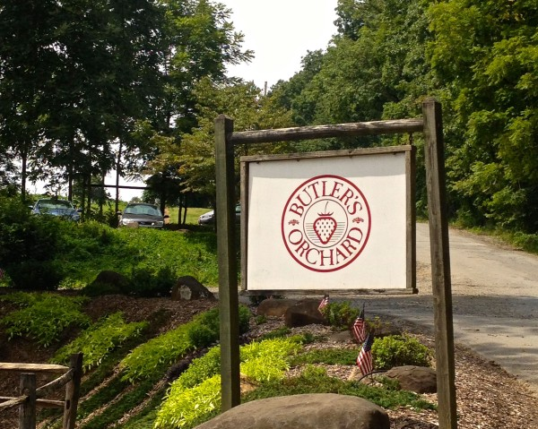 Butlers Orchard Sign