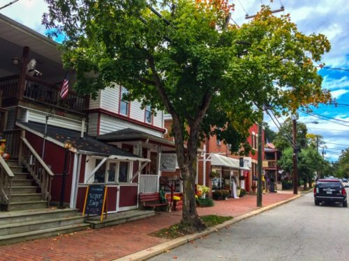 Day Trip to Occoquan- street view