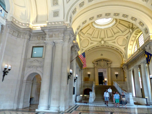 The entrance to Bancroft Hall at the U.S. Naval Academy, the largest dormatory in the world