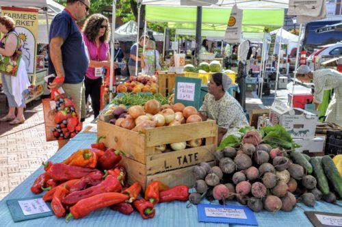 gettysburg-getaway-adams-county-farmers-market-stall