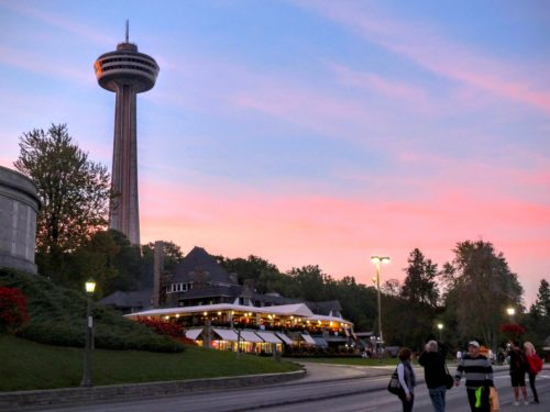 niagara-falls-skylon-tower-at-sunset
