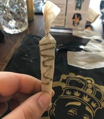 learn to roll a joint with rox.c.rolla