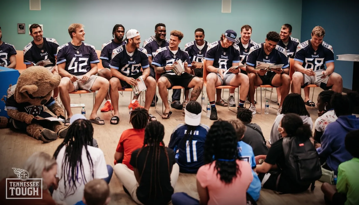 Titans Rookies Promote Reading During Story Time