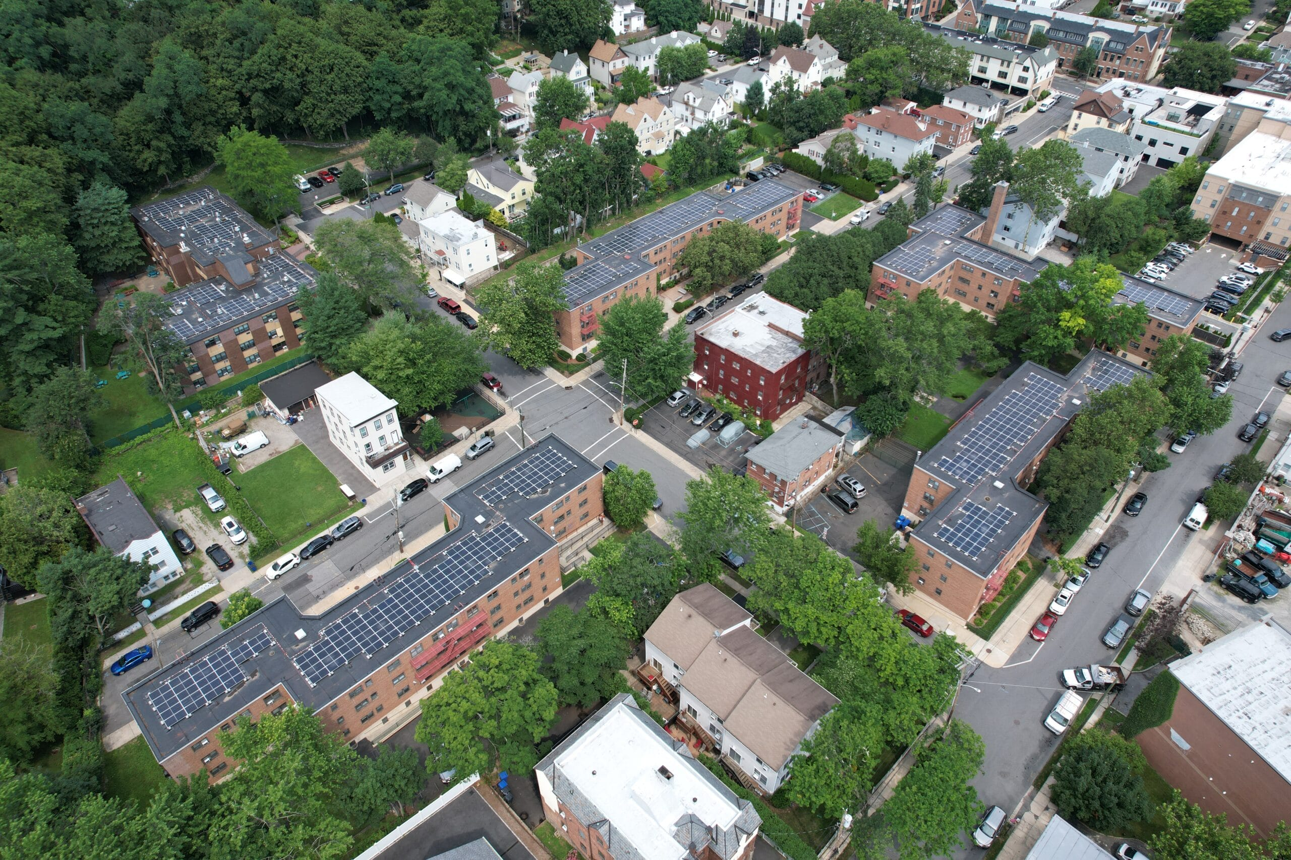 Read more about the article Tuckahoe Housing Authority Partners with UGE to Lower Energy Bills for Residents with Rooftop Community Solar System