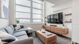 111 St Clair Ave W #814