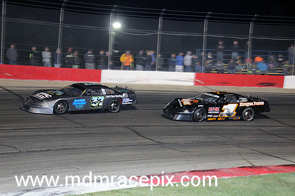 Grueneberg Grabs Fourth Feature Victory
