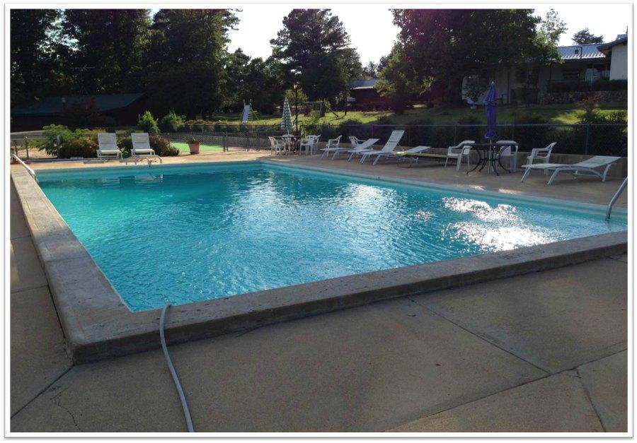 Outdoor_Pool_CloseUp_900.jpg