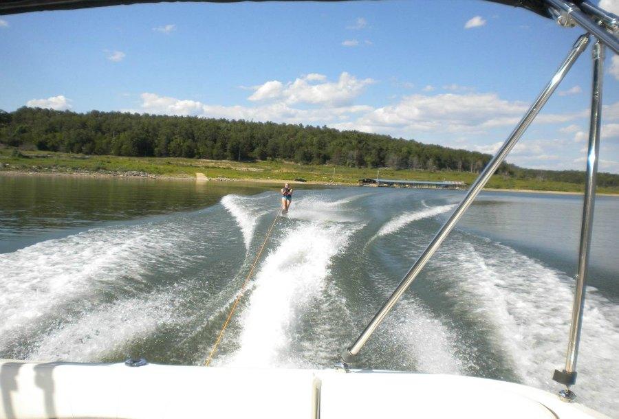 Skiing_Dock_Background_900.jpg
