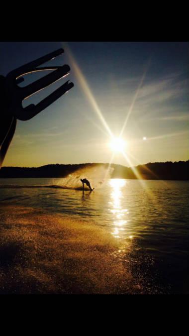 Skiing_Sunset_675.jpg