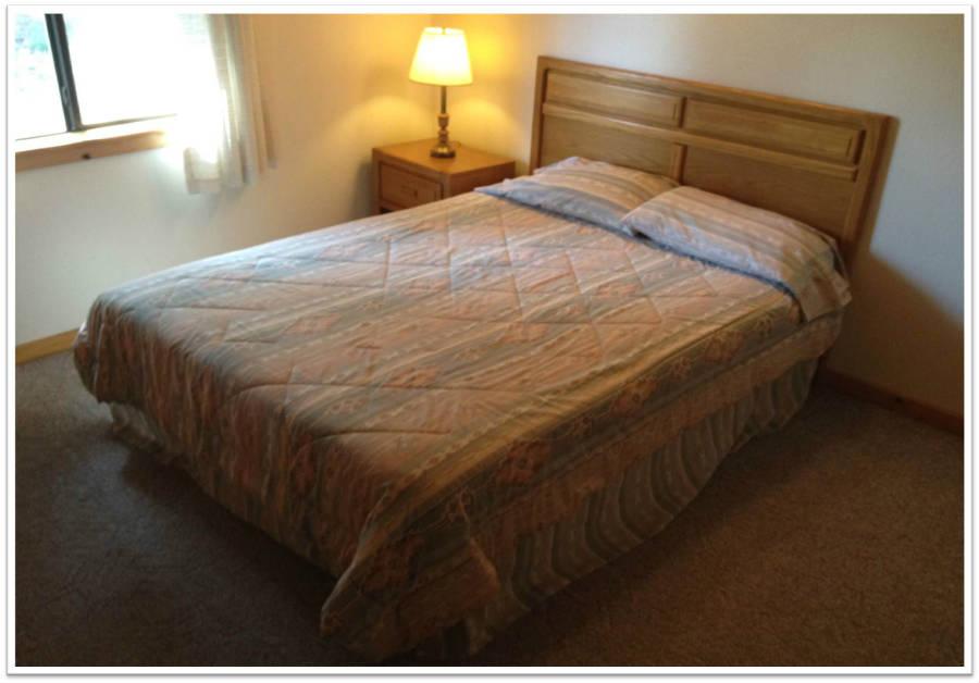 Cabin_Bedroom_900.jpg