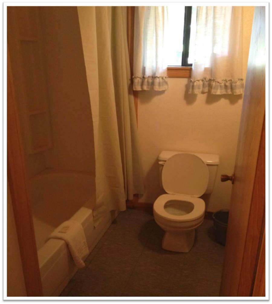 Cabin_DeluxeBathroom_900(resort pics 004).jpg