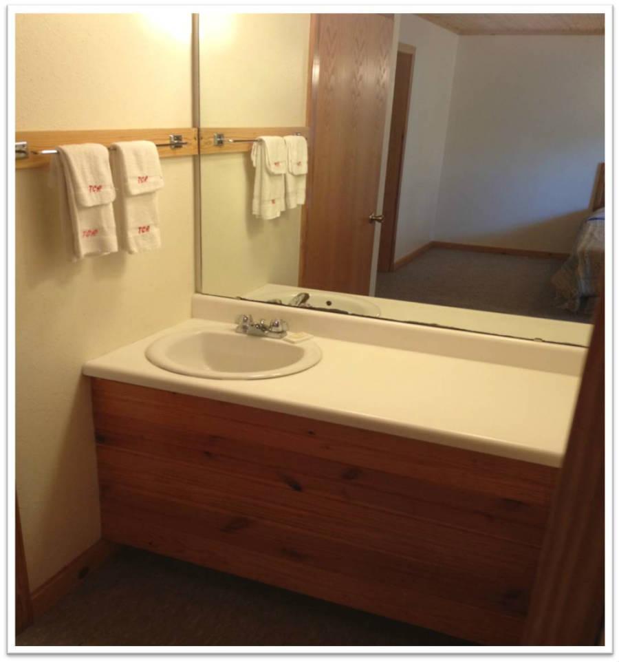 Cabin_DeluxeBathroom_Sink_900(resort pics 003).jpg