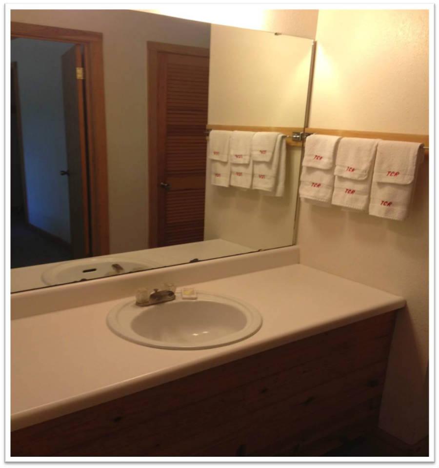 Cabin_DexluxeBathroom_Sink_2_900(resort pics 005).jpg