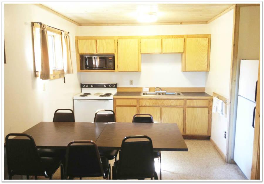 Cabin_Kitchen_3_900.jpg