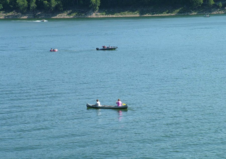 Canoeing_1_900.jpg