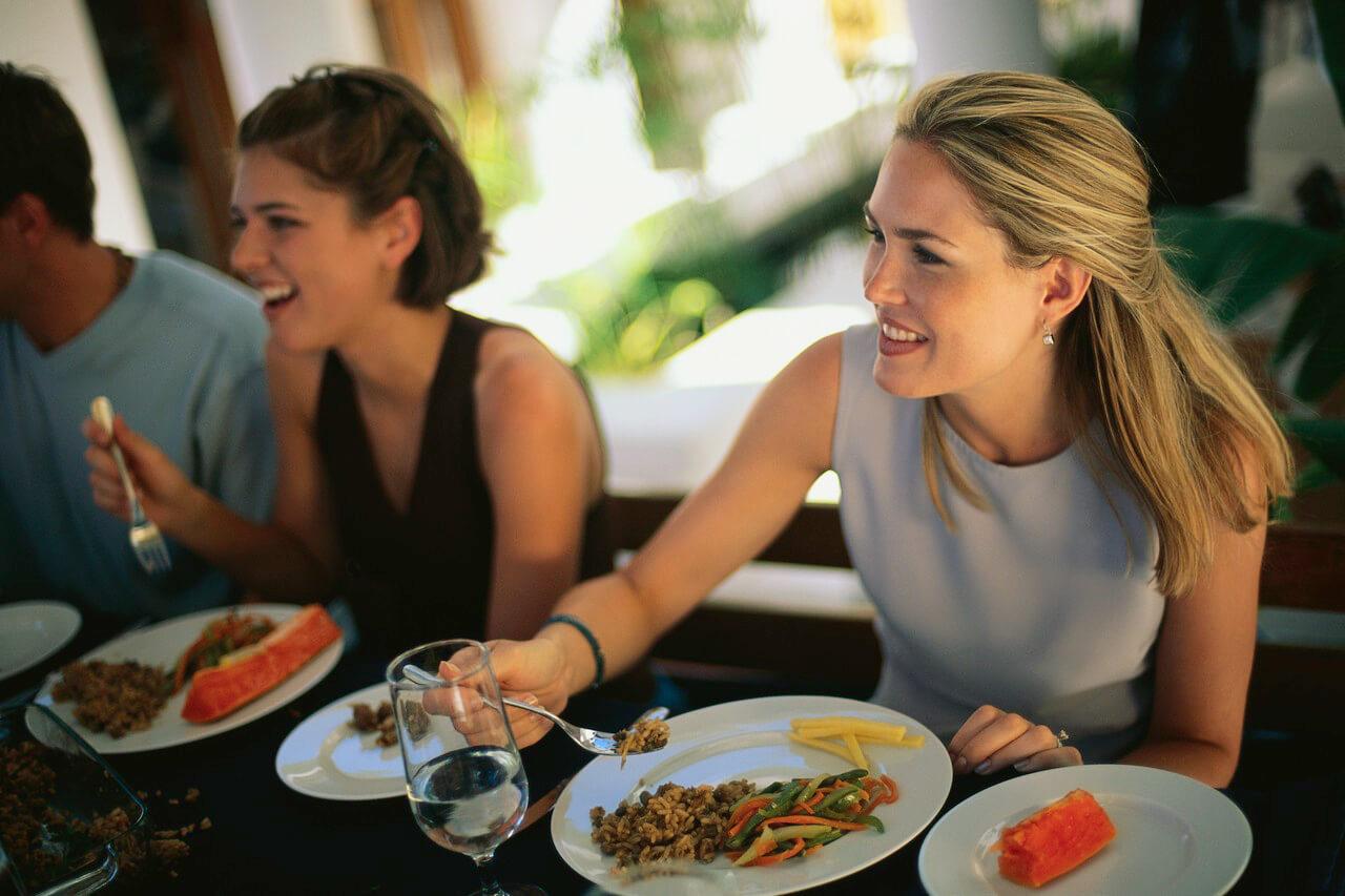 How to handle negative restaurant reviews