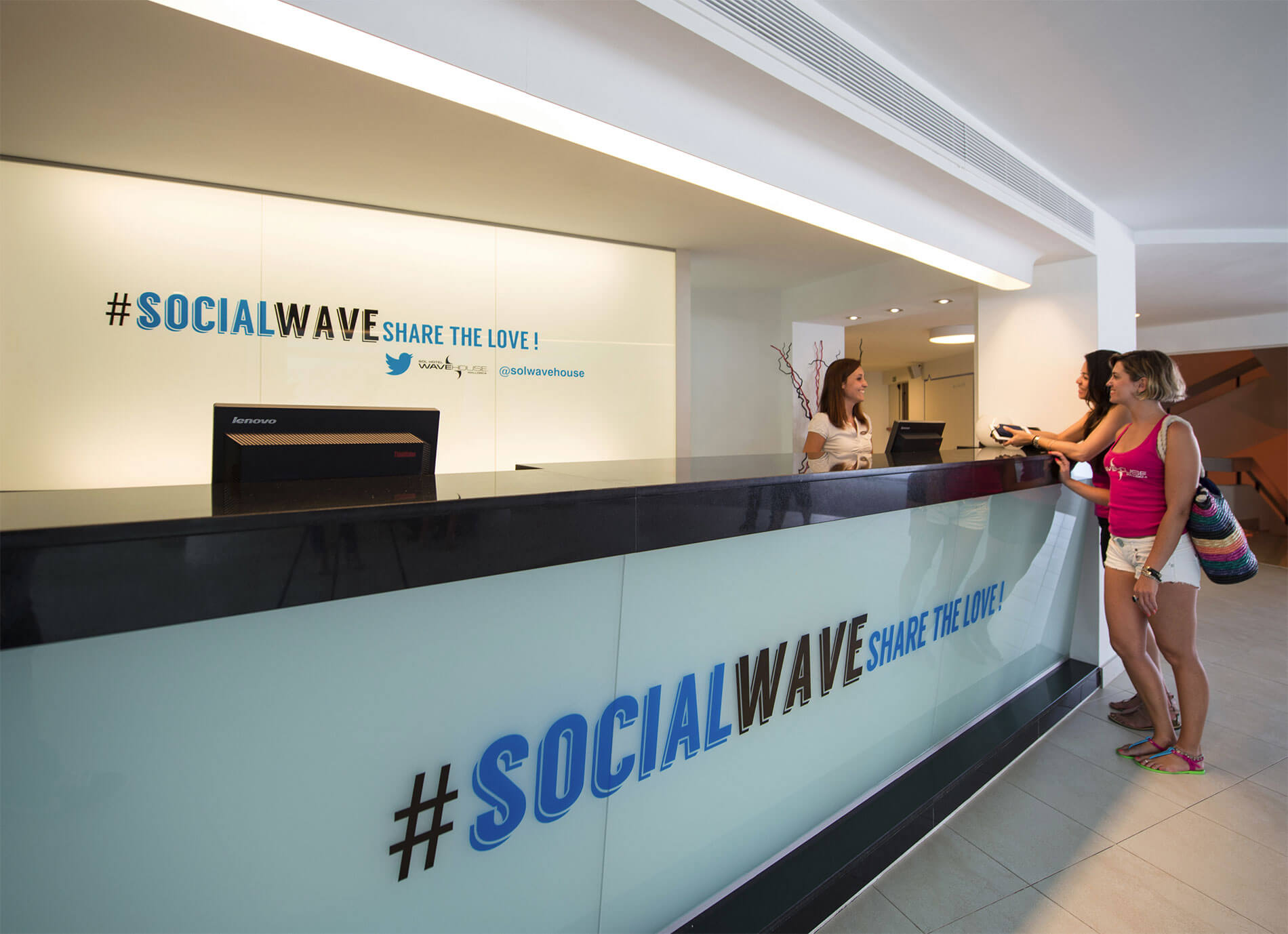 """Sol Wave House (Mallorca), the first ever """"Twitter Experience"""" hotel"""