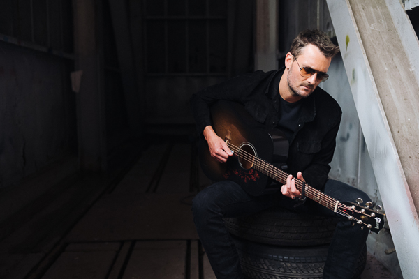 """Eric Church Kicks Off First-Ever In-the-Round Tour, Inviting Fans to """"Gather Again"""" This Friday"""