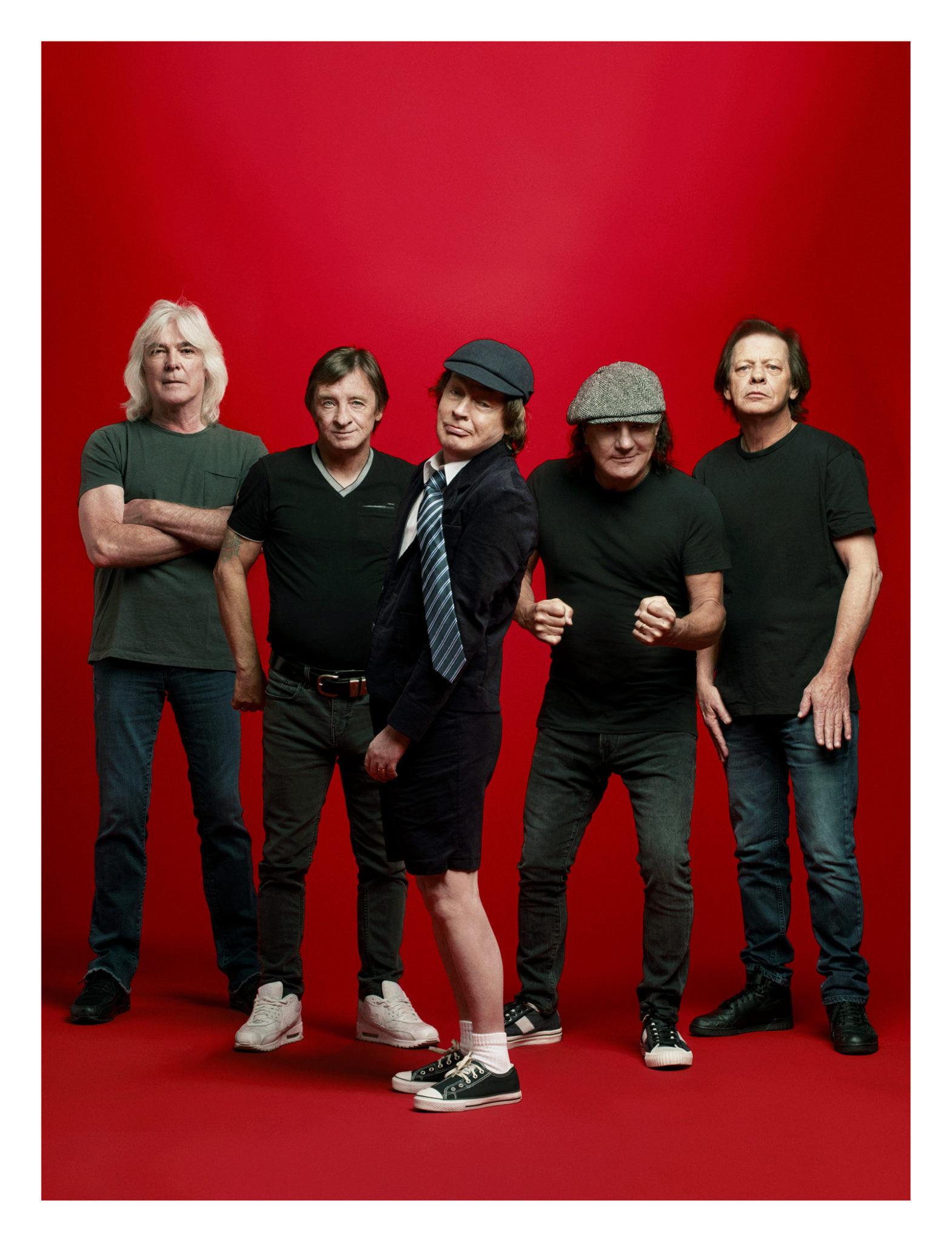 """AC/DC CAST THEIR """"WITCH'S SPELL"""""""