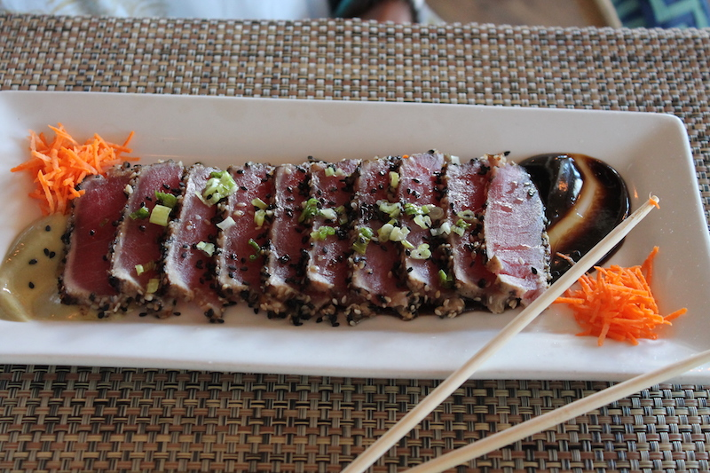 Tuna Tataki with sesame seeds