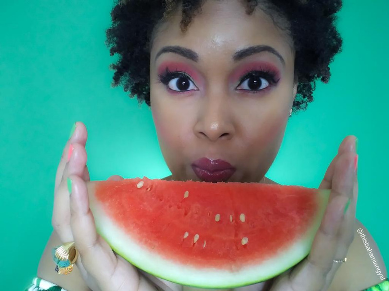 This Bahamian Gyal blogger, Rogan Smith shows of a piece of watermelon and her watermelon-inspired makeup look.