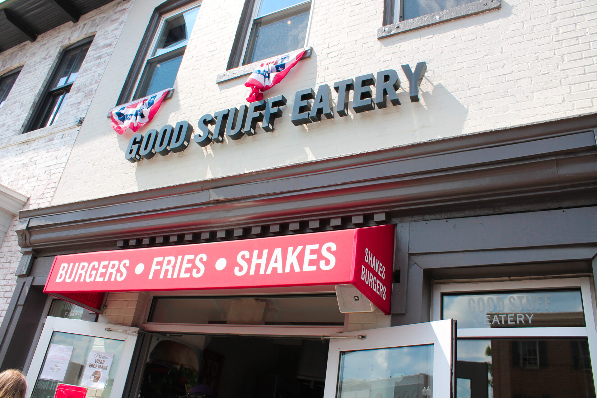 An exterior shot of Good Stuff Eatery in Georgetown, DC. My husband ordered the Obama burger with rosemary fries. Yummy!