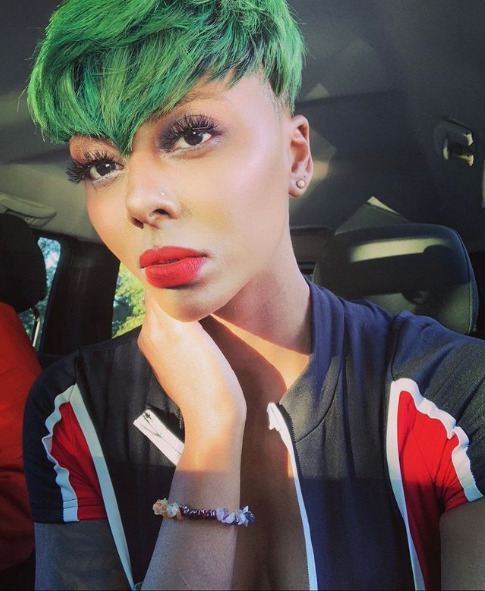 @stizzz black model with green hair wears red lipstick