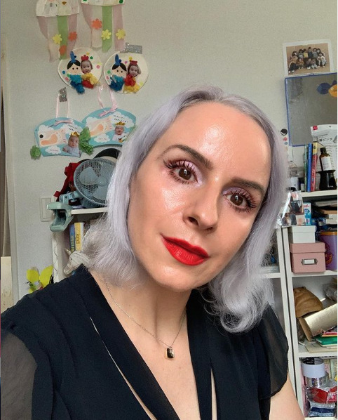 Instagrammer Nadia Jaskiw wears a gorgeous red lipstick