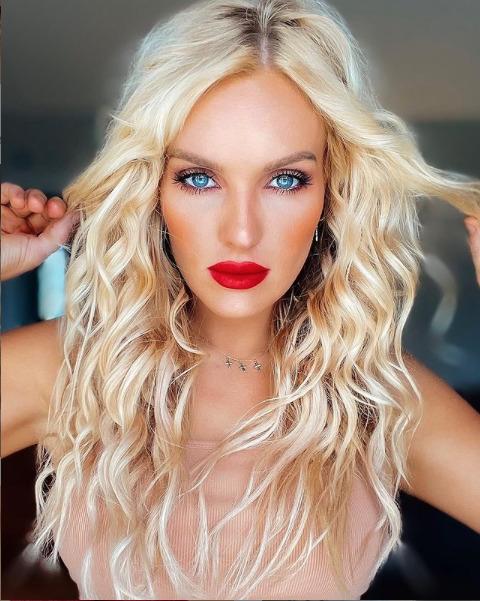 Instagram model, jseesteals red lipstick