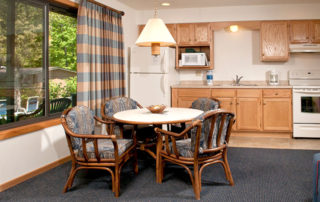 Gatehouse full kitchen with table and four chairs