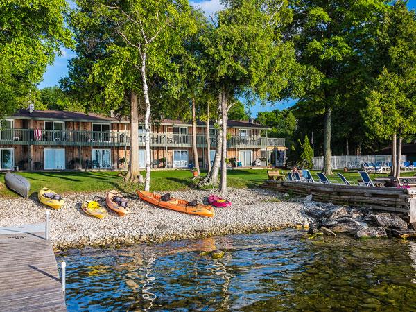 Shoreside motel door county